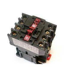 ! stykač 40A 220V 3.pólový LC1D253MA65 Telemecanique- kvalitní produkt