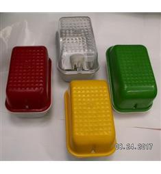 Svítidlo E27 max 60W, 55Kč/ks barva krytu žlutá, zelená, červená, barvu uveďte do poznámky